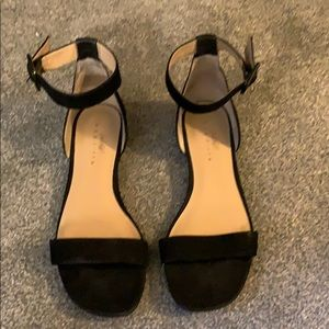 Lord and Taylor 424 Fifth sandals